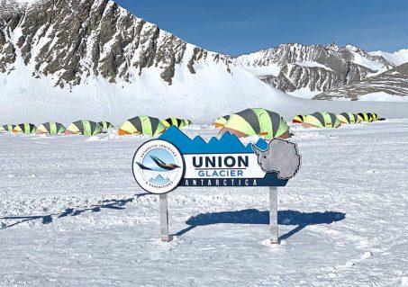 ALE's summer camp on Union Glacier, Antarctica (Photo by Aram Kaprielian/TQ).